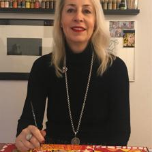 Portrait Andrea Lindenfelser - überglücklich die Brille dank Multifokallinsen los zu sein
